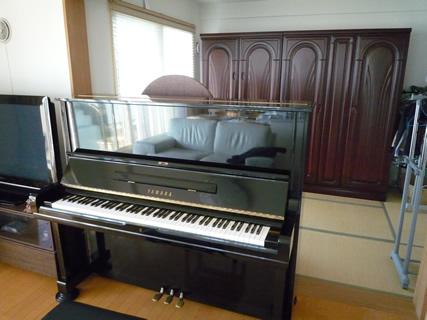 ピアノ後方に空間
